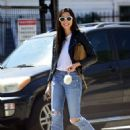 Jessica Gomes – Arriving at a friend's Memorial Day barbecue in LA - 454 x 599