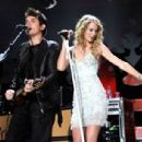 Taylor Swift and John Mayer - 454 x 306