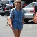 Julianne Hough Street Style – Running Errands in LA 9/5/2016 - 454 x 682