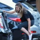 Elizabeth Olsen in Tights at Hike in Studio City November 11, 2016 - 454 x 681