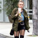 Miley Cyrus Shopping at Bed, Bath & Beyond