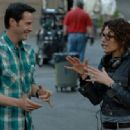 Keanu Reeves with Director Rebecca Miller on the set of The Private Lives of Pippa Lee. - 454 x 334