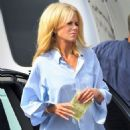 """Blonde Nicole Kidman Shows Off Her """"Paperboy"""" Prowess"""