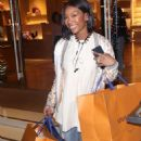 Brandy Norwood – Shopping in Beverly Hills - 454 x 685