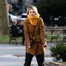 Kaley Cuoco and Zosia Mamet – Filming 'The Flight Attendant' in NYC