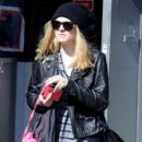 Dakota Fanning stepped out, October 5, in New York City. The actress/student was spotted leaving her local gym