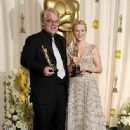 Philip Seymour Hoffman and Reese Witherspoon At The 78th Annual Academy Awards (2006) - Press Room - 335 x 500