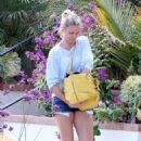 Cameron Diaz visiting a friend in Los Angeles (August 16)
