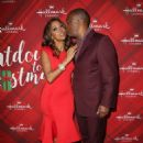 Holly Robinson Peete – 'Christmas at Holly Lodge' Screening in LA - 454 x 668