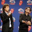 The Rolling Stones answers questions during the Sprint Half Time Show Press Conference at the Renaissance Center on February 2, 2006 in Detroit, Michigan - 396 x 594