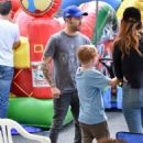 Pete Wentz spotted at Farmer's Market Sunday October 16, 2016 - 454 x 593