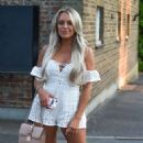 Amber Turner – Out and about in Essex - 454 x 811