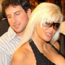 Anna Nicole Smith and Howard K. Stern - 238 x 400