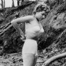 Jeanne Carmen - 454 x 346