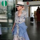Kylie Minogue – Arriving in Barcelona