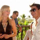 Zac Efron: Maui Shining Star