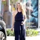 Alicia Silverstone – Steps out in Los Angeles - 454 x 624