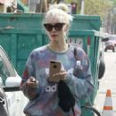 Ashlee Simpson Leaves a gym in Studio City - 454 x 610