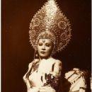 Mae West - 454 x 714