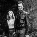 Clint Eastwood and Sondra Locke - 454 x 305