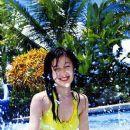 Kusumi Yellow bikini - 377 x 512