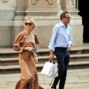 Kelly Rutherford – Shopping in Milan - 454 x 608