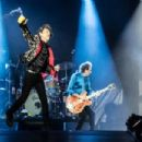 Mick Jagger of The Rolling Stones performs onstage at Hard Rock Stadium on August 30, 2019 in Miami, Florida - 454 x 303