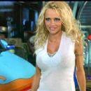 Pamela Anderson in Scooby-Doo - 454 x 340