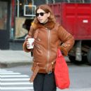 Zosia Mamet – Arrives on the Set in New York City - 454 x 454