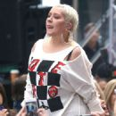Christina Aguilera – Performing on NBC's 'Today' Show in New York - 454 x 574