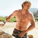 Charlie Hunnam - Men's Health Magazine Pictorial [United States] (1 December 2014)