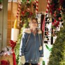 Jewel Staite as Jenna in The Christmas Ornament (2013) - 454 x 681