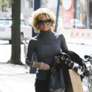 Kelly Carlson - May 18 2008 - Shopping In Toronto