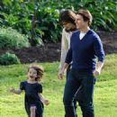 Katie Holmes & Family At A Park In Melbourne, 2009-08-07