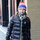 Matt Bellamy does some last minute Christmas shopping on Christmas Eve in Aspen, Colorado on December 24, 2014 - 452 x 594