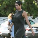 Nicole Murphy – Shopping Candids at Bristol Farms In Beverly Hills - 454 x 597