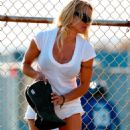 Pamela Anderson - Malibu Candids, 24. 3. 2009.