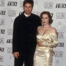 David Duchovny and Gillian Andrson At The 52nd Annual Golden Globe Awards (1995) - 352 x 512