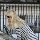 Claudia Schiffer Drops Her Son Off At School, March 1 2010