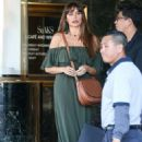 Sofia Vergara – Out shopping in Beverly Hills - 454 x 681