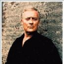 Edward Woodward - 242 x 255