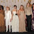 Whoopi Goldberg, Eva Marie Saint, Penélope Cruz, Goldie Hawn, Tilda Swinton and Anjelica Huston At The 81st Annual Academy Awards - Press Room (2009) - 454 x 301