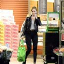 Rosie Huntington Whiteley – Shopping in Los Angeles - 454 x 513