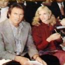Clint Eastwood and Sondra Locke - 426 x 303