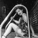 Anne Baxter - 454 x 574