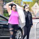 Selena Gomez – Grabs a morning coffee in Los Angeles - 454 x 545