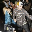 Nicole Richie At Nobu Hiding After Dinner With Joel Madden, 2008-09-01 - 454 x 474