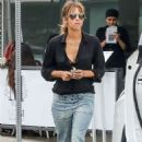 Halle Berry at District Eatery in West Hollywood - 454 x 681