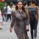 Kelly Brook – Arrives at Global Radio in London - 454 x 714