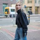 Sabrina Carpenter – Out and about in London